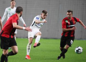 Schön Szabolcs (fehérben) gólt és gólpasszt jegyzett a Honvéd ellen Forrás: Zádor Péter/MTK Budapest