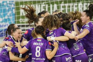 Így örültek a békéscsabaiak az első idei bajnoki győzelmüknek Forrás: Békéscsabai ENKSE Facebook-oldal