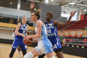 Mányoky Réka (19) meccsenként 1,4 blokkot átlagolt a playoffban, amellyel harmadik a teljes rangsorban Forrás: MKOSZ