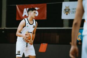 Kalassai Martin (17) három bajnokságban szerepel párhuzamosan Forrás: DEAC Kosárlabda Akadémia