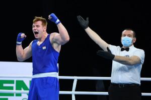 Kiss Levente az ifjúsági Európa-bajnok Onyiscsenko legyőzésével elődöntős Kielcében Forrás: AIBA