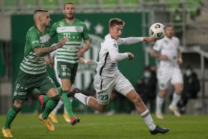 Szendrei Ákos (18) a Ferencváros ellen is betalált.  Fotó: Szabó Miklós