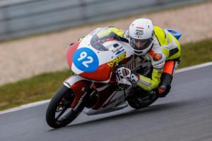 Rossi Moor teszteli a gépet. Forrás: p1race.hu
