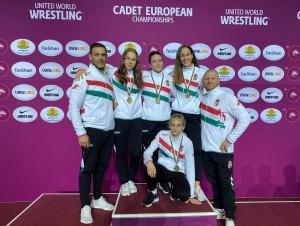 Balról: Gyurasits Csaba (edző), Elekes Enikő, Osváth-Nagy Noémi, László Nikolett (elől), Nyikos Veronika és Bóna Dániel (edző) Forrás: MBSZ