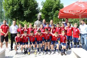 A Vasas U12-es, aranyérmes csapata Forrás: Vasas Kubala Akadémia