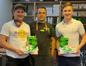 Trunk Tamás (jobbra) felkészülését világkupások versenyistállója segíti