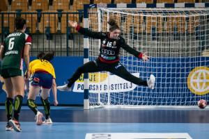 Bukovszky Annára ezúttal is lehetett számítani a magyar kapuban Fotó: Maja Kezić/EHF