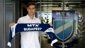Rimóczi Tamással is profi szerződést kötött az MTK Forrás: mtkbudapest.hu