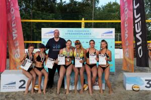 A gödöllői lányok (és a szakvezető, Karádi Zoltán) nemrégiben kisajátították a csepeli U22-es országos bajnoki dobogót Forrás: GRC
