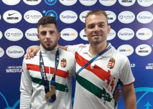 Tösmagi Attila (balra) és edzője, Kliment László Forrás: MBSZ