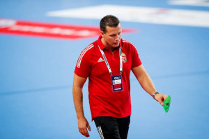 Kárpáti Krisztián szövetségi edző csalódott, de büszke csapatára, amiért felállt a padlóról Forrás: EHF