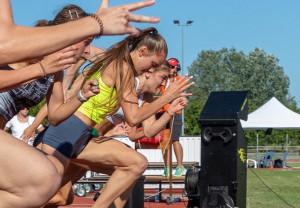 A sprinter lányok is rajthoz állnak (balról: Mészáros Luca, Kocsis Luca, Sulyán Alexa) Fotó: Pesti János