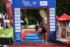 Molnár Péter (hátul) ezüstérmes lett Bledben Forrás: ETU