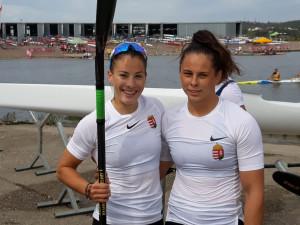 Fojt Sára (balra) és Ujfalvi Laura legyőzhetetlen volt a korosztályos vb-n Forrás: MKSZ