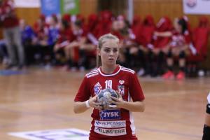 Farkas Johanna sokat tanulna rutinosabb csapattársaitól Dunaújvárosban Forrás: DKKA