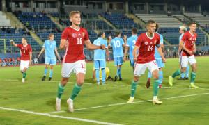 A gólszerző Baráth Péter (16-os mezszámmal) ünnepli a magyarok első találatát Forrás: MLSZ