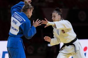 Varga Brigitta (fehérben) megszerezte a magyar csapat első érmét a luxemburgi junior Eb-n Fotó: Horváth György / MJSZ